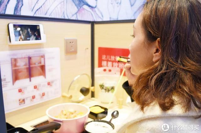 干饭人吃饭来点黑科技?生活元素免注水电热饭盒全方位评测来了!