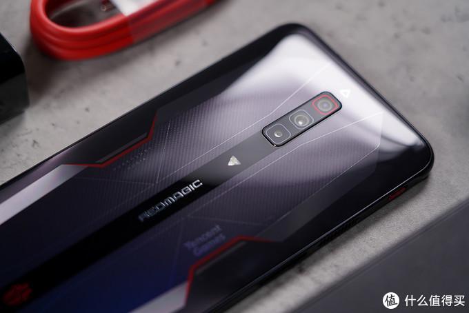 内置风扇稳压高通骁龙888 红魔6游戏手机首发评测