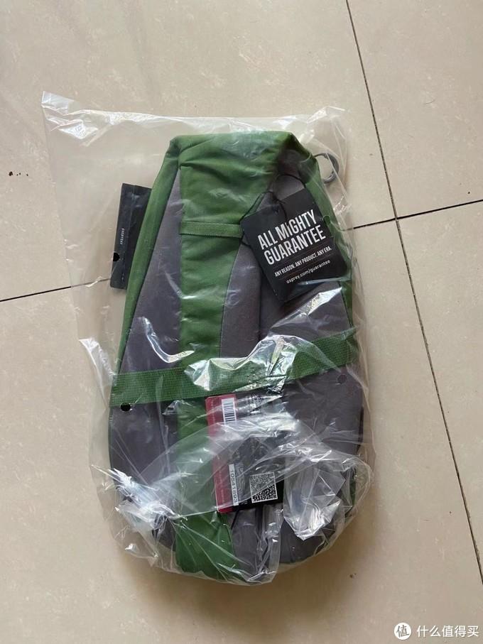 打开外包装袋,本尊就是一个塑料袋简单的包着!