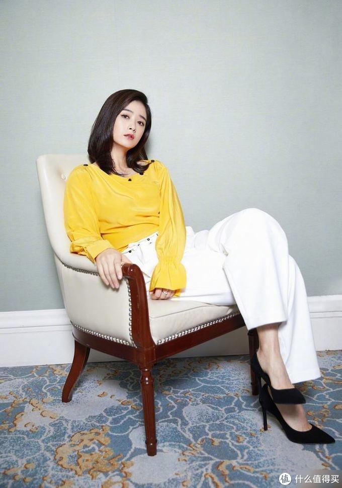 """2021时下最潮春季穿搭,""""柠檬黄""""格外吸睛!"""