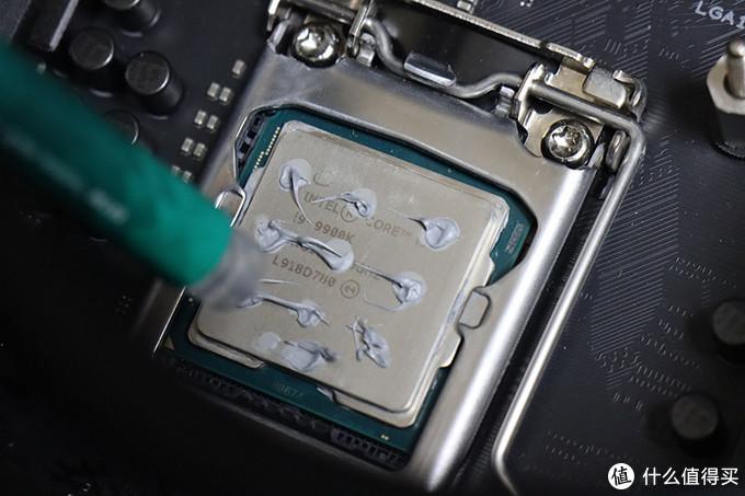 便宜硅脂与专业硅脂差别大吗?实测见证,降了整整6℃