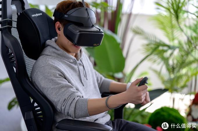 """爱奇艺奇遇2S胶片灰4K VR一体机:给你""""皇帝级""""观影体验"""