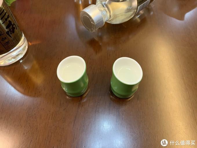 约上三两好友,拎上三两小酒,值得回购的口粮酒——三两酒53度小瓶酒