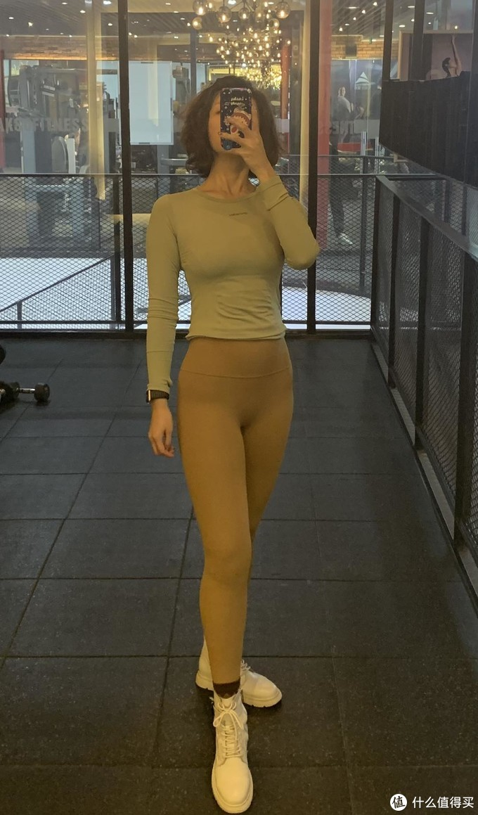 小姐姐健身穿什么?