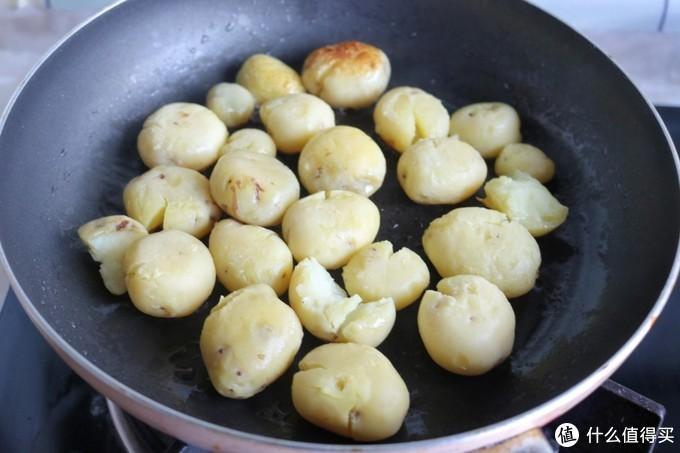 千万博主推荐的土豆做法,走红朋友圈,网友:后悔没早看到
