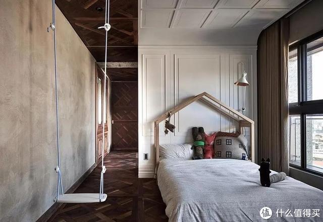 """她坚持把家装成""""毛坯风"""",水泥地、红砖顶,却有藏不住的高级感"""
