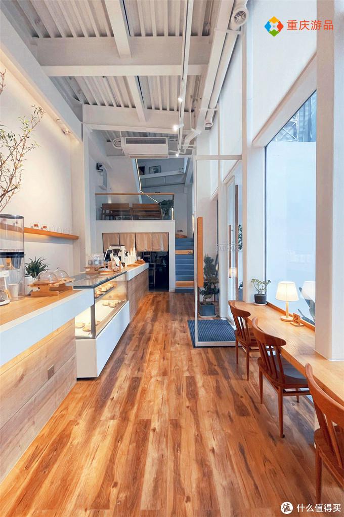 年轻人为何偏爱咖啡馆?由重庆第一家店讲起,不是为了喝咖啡