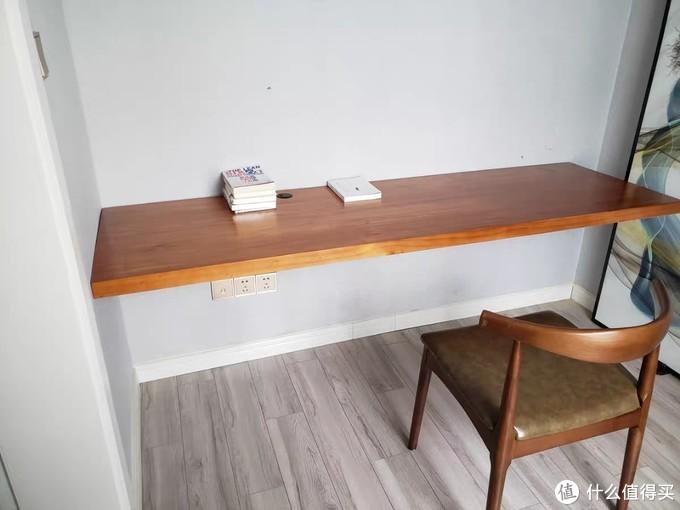 年轻人的第一张实木书桌,不一定必须是小米或者宜家