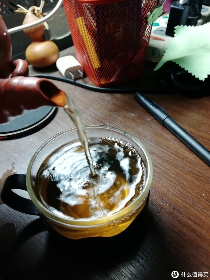 第二炮开始,就开始上色了,茶汤变浓味道也上来了