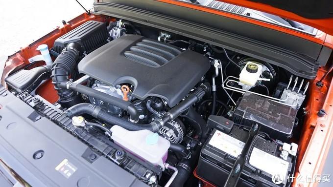 空旷的发动机舱在改装和后续维修保养也带来了一定便利
