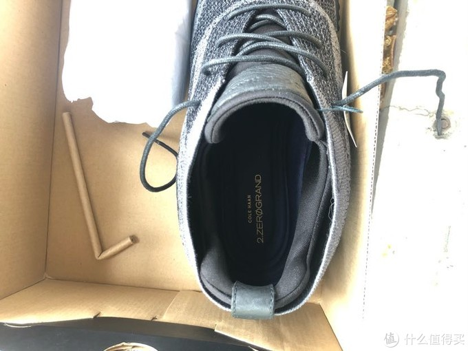 鞋垫试过,抽不出来,足跟粘起来了