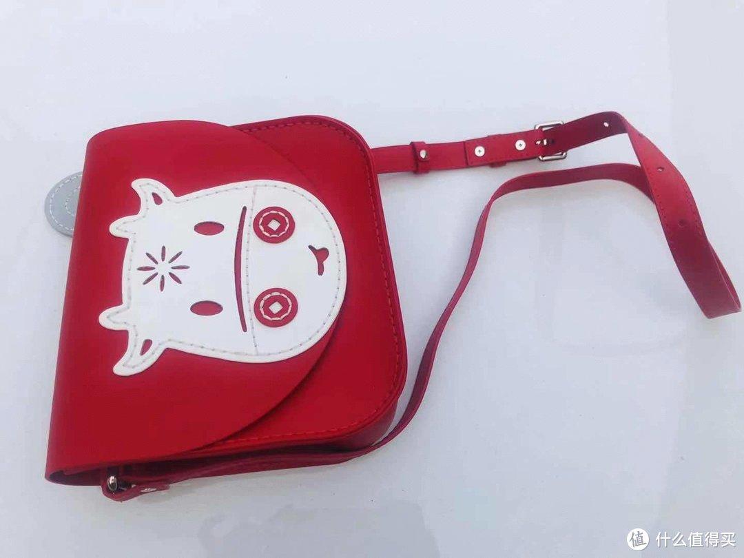 蠢小鱼手工diy本命年红斜挎包,女神节送给自己的礼物