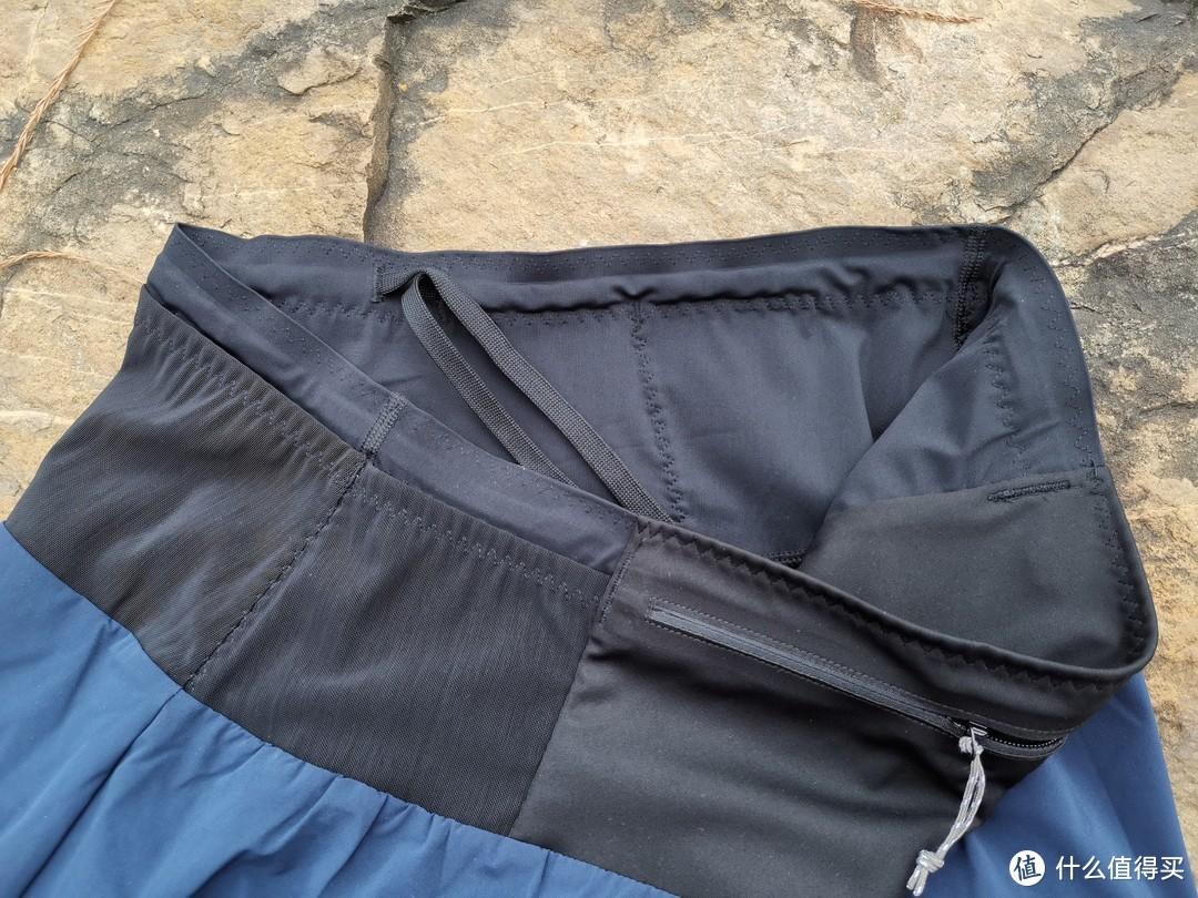 侧面收纳区,一般建议存放纸巾类的柔软小物件