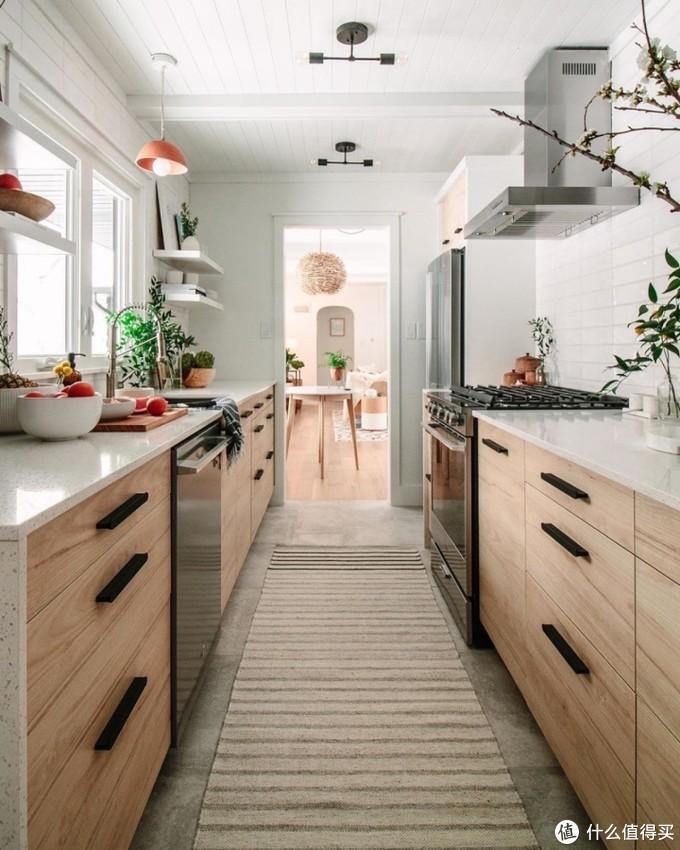 面对走廊式厨房,想好怎么布局了吗?