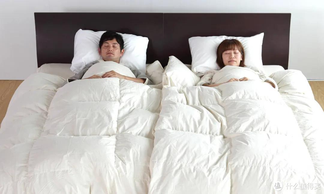 卧室放一张床OUT了!这些夫妻都开始分床睡了?