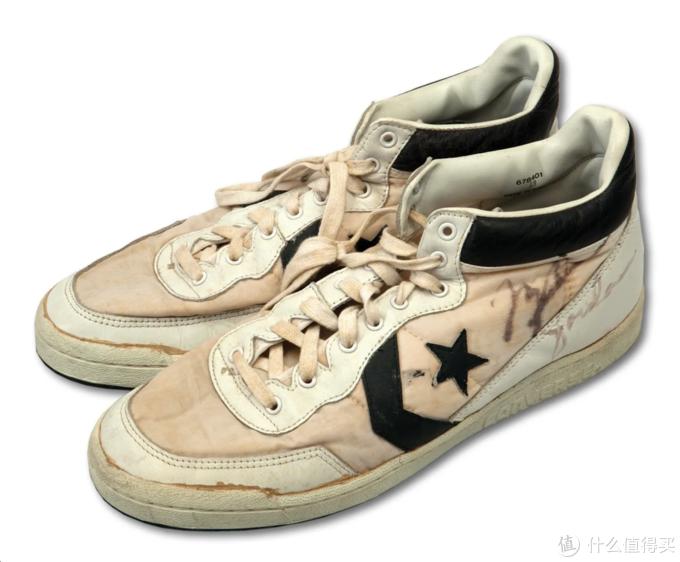 那届奥运会,乔丹选择Converse Fastbreak作为战靴