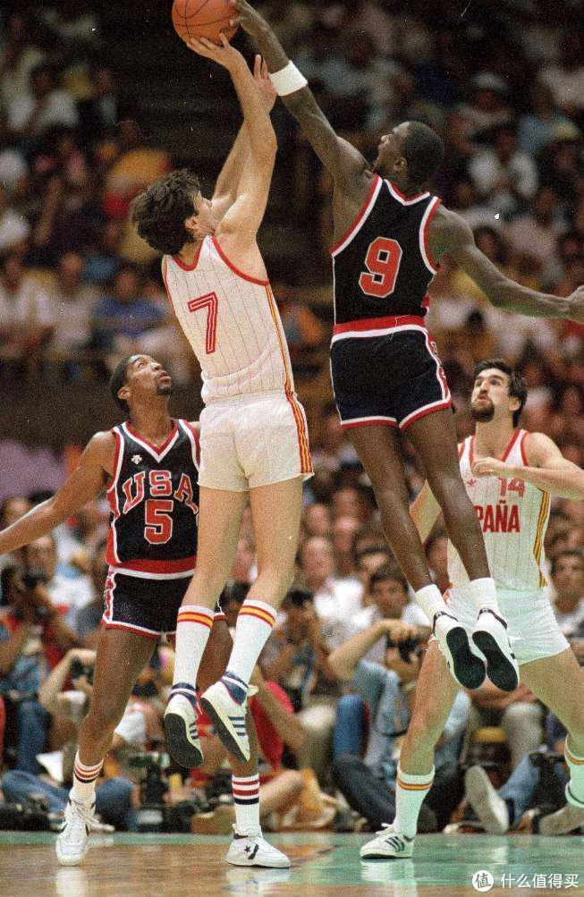 adidas和Converse,当年在篮球场上的影响力远超nike