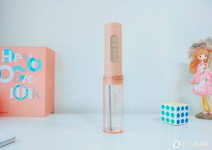 一个喷水的、也是有技术含量的,欧卡尔琳壹杯冲牙器评测