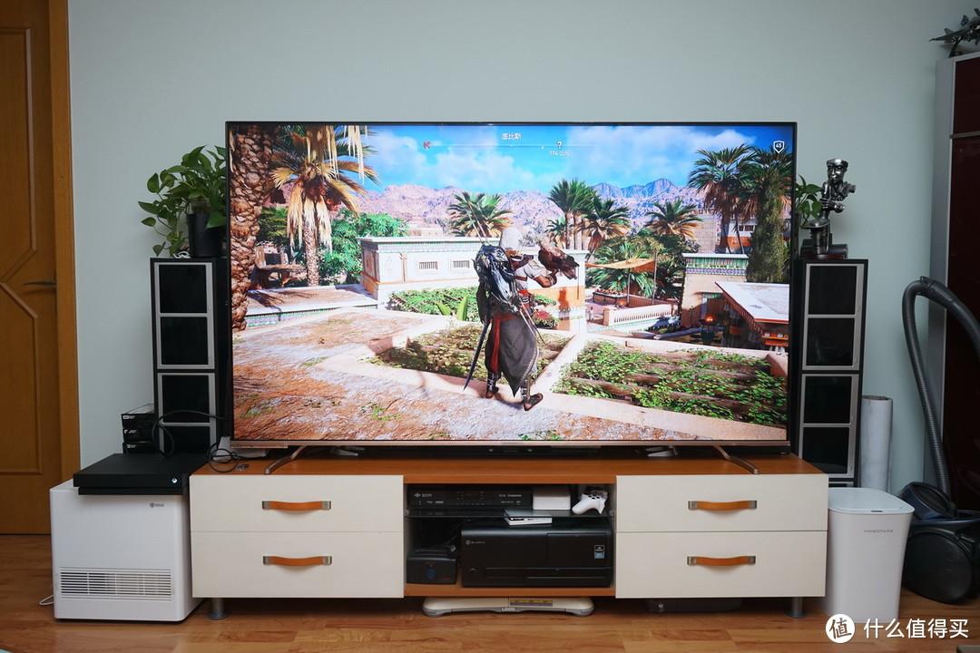 """买家具,""""送""""茅台:20平的小客厅电视是挂还是摆?还真得研究研究。"""