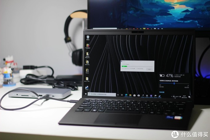 一根线让轻薄笔记本电脑秒变工作站 - 绿联10合1雷电3拓展坞体验报告