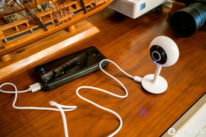 充电宝模式可用,应急情况下当个行车记录仪、应急摄像机也是可以的(反正带日期时间戳,哈哈)