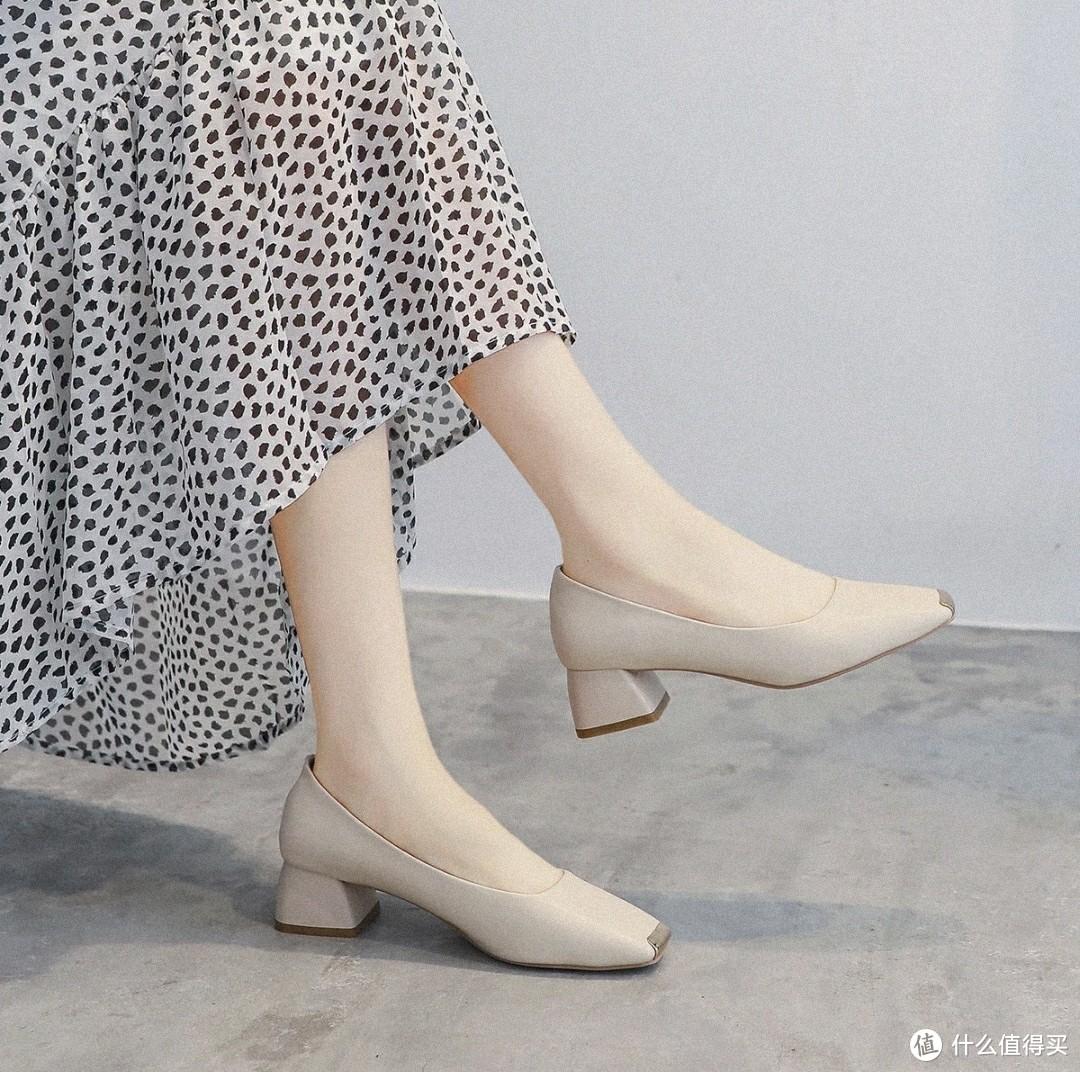 """选择一双合适高跟鞋,让我们""""浪""""起来,个人推荐几款不同材质的高跟鞋"""