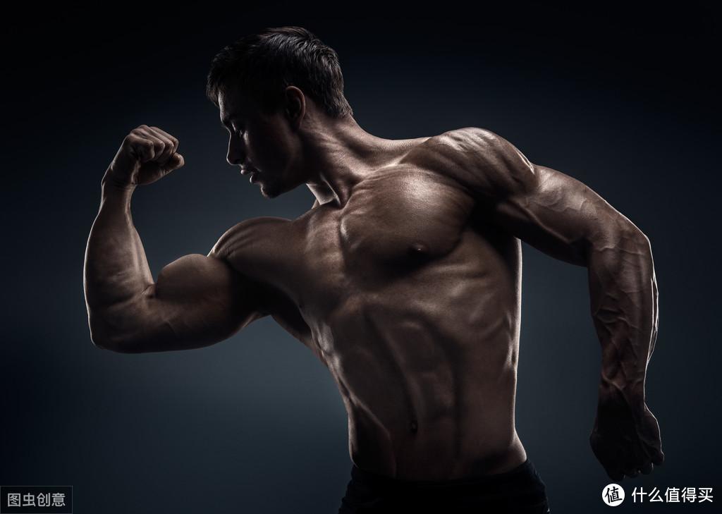 """健身时肩膀痛了怎么办?别""""病急乱投医"""",可以试试这些方法"""