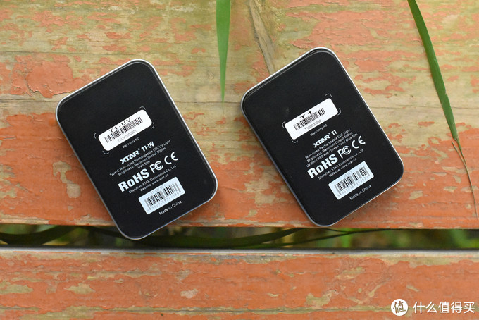 多功能指尖EDC--XTAR T1/TI UV小型可充电式手电把玩体会