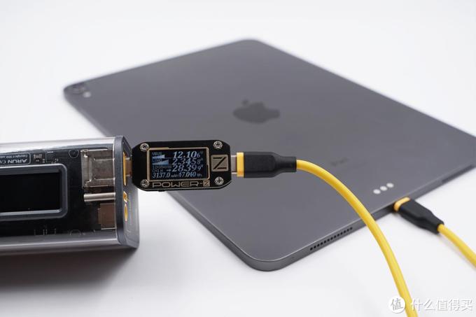 电源产品界的透明探索版:STORM 2 EDC 100W充电宝评测
