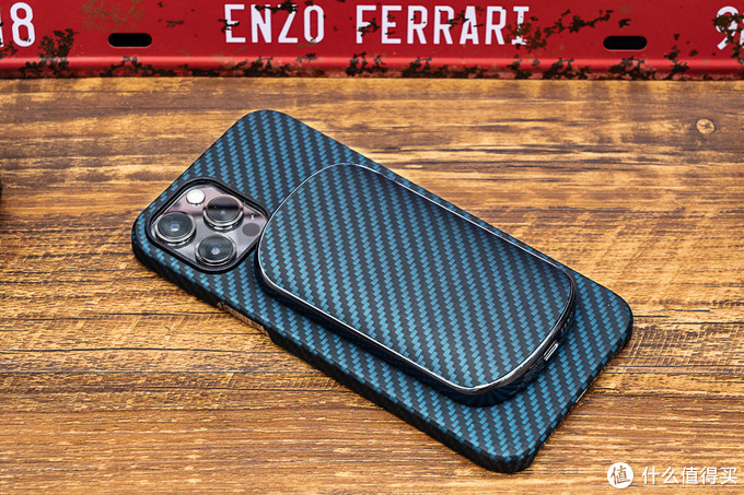 iPhone12配件指南:PITAKA凯夫拉手机壳+MagEZ Juice 2磁吸充电套装体验