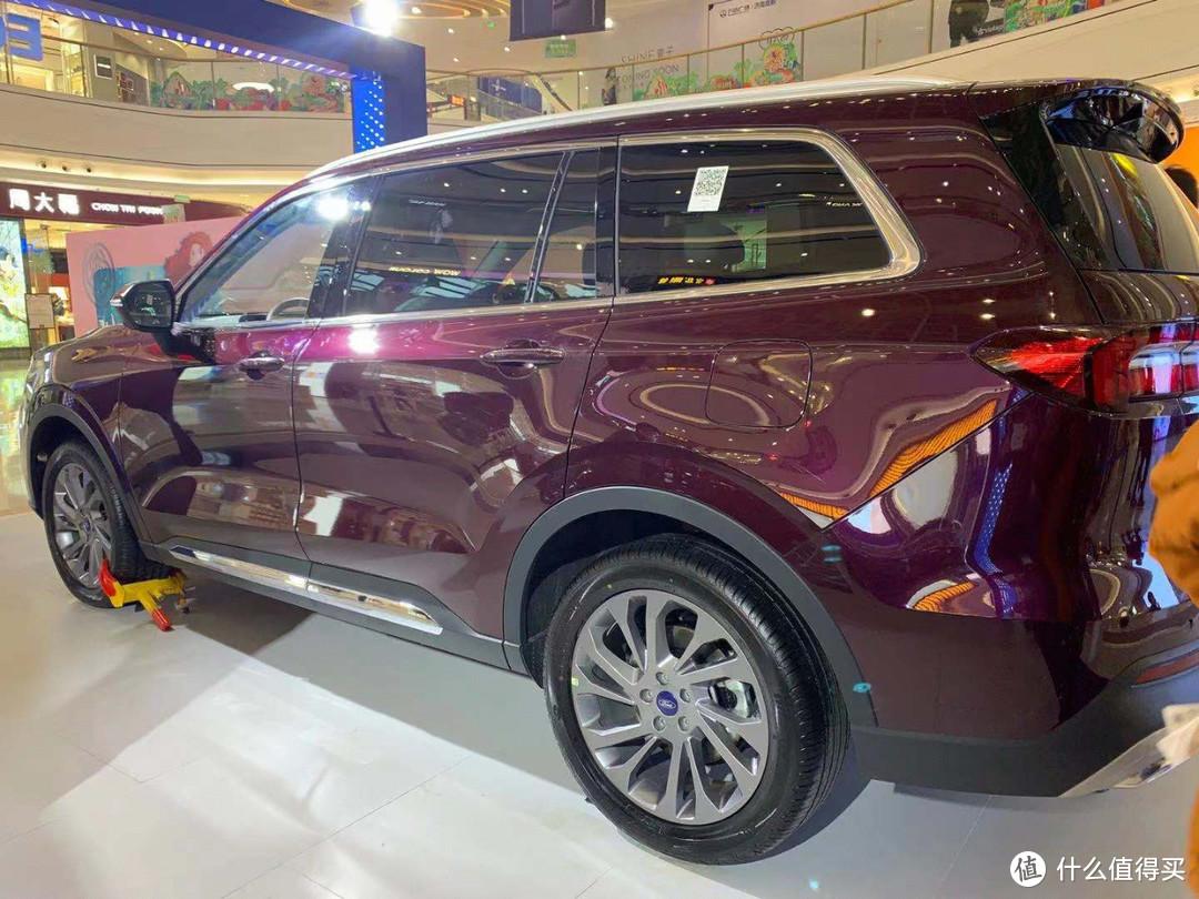 三代出行一部车!美式6座SUV预售18万起?静态体验福特领裕