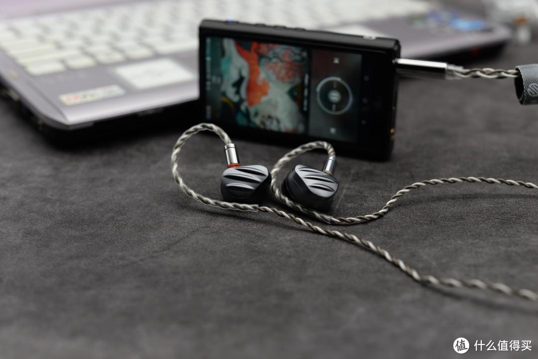 一个音乐爱好者的进阶之路:为了更好的音质,上了4.4mm平衡口的播放器,又添置了两条耳机线