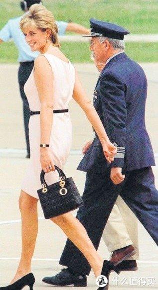 爱马仕铂金包成Ins成最受欢迎手袋,Gucci、Chanel位列第四五名!
