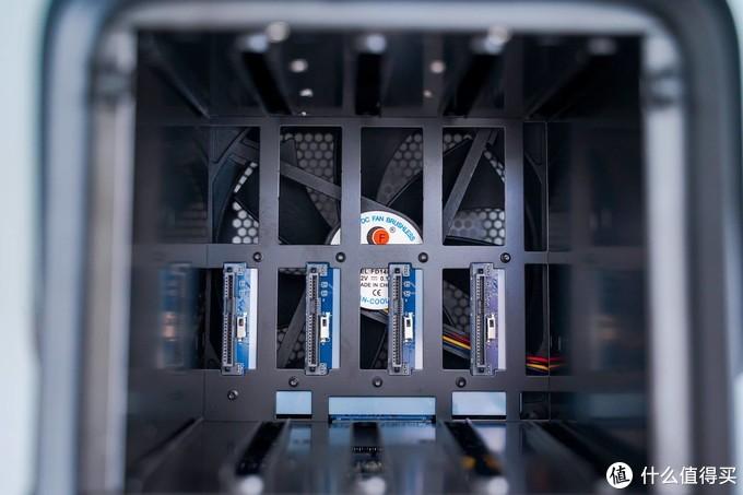 打破传统,告别繁琐:极空间Z4 J4125 四盘位NAS 体验测评!最适合国人使用的NAS
