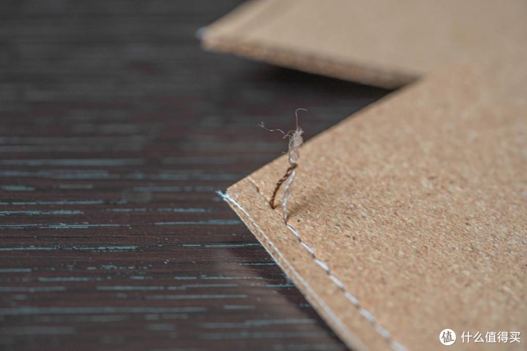 甚至包括缝线处线头,也都是真材实料的……