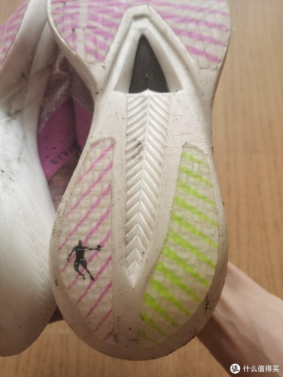 炒个冷饭--国产跑鞋绝对超值的选择,乔丹飞影pb