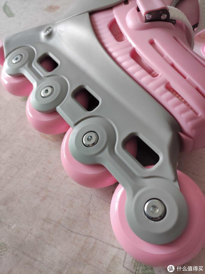 """没有风火轮,也能做""""哪吒""""——柒小佰小怪兽儿童轮滑鞋·简测"""