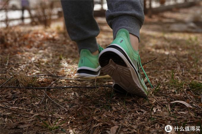 FREETIE轻云缓震竞速跑鞋轻薄透气鞋垫还抑菌