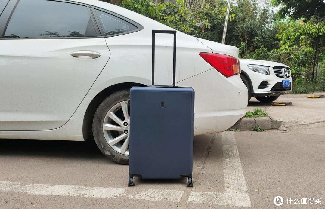 """皮实耐用又能""""装"""":24英寸地平线8号行李箱经典款出行必备"""