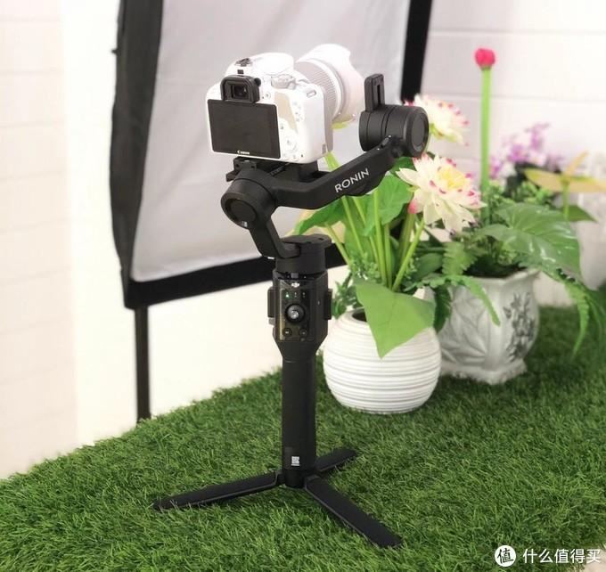 DJI大疆如影sc   手持相机稳定器