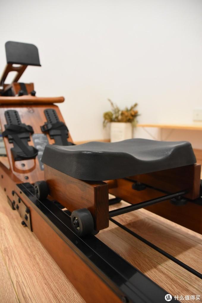 用野小兽划船机,全身有氧不伤膝