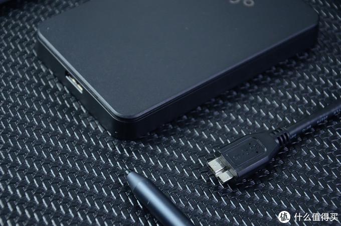 aigo移动硬盘体验:双指示灯设计,500GB容量,卖219元贵么
