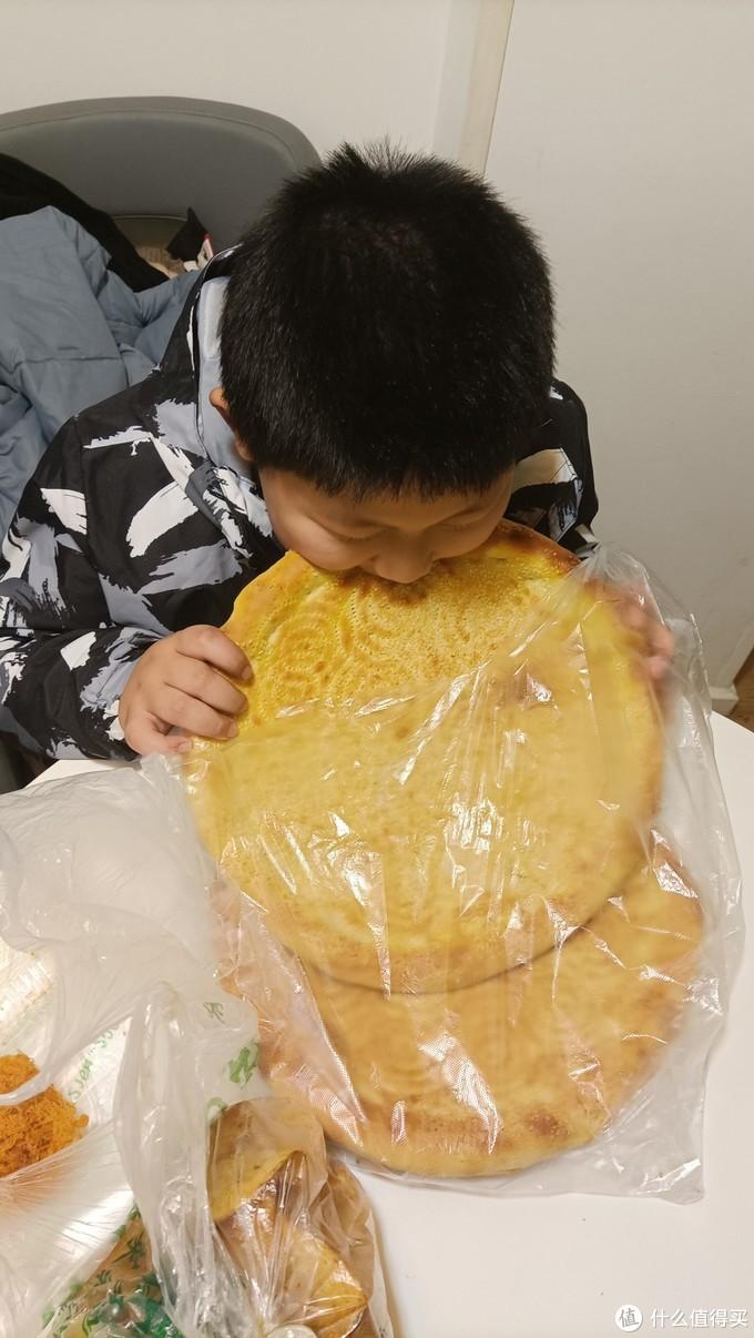 新疆师傅做的烤馕