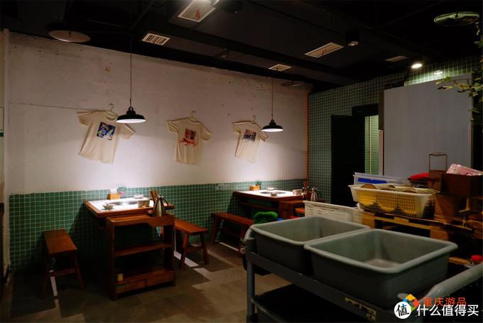 """重庆奇葩火锅店,九宫格锅底自带鸭血,老板难道是个""""瓜西西""""?"""