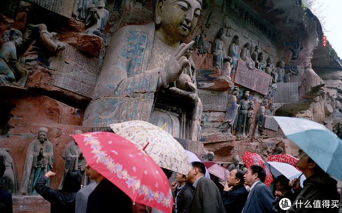记录佛陀生平的塑像已经完全中国化了