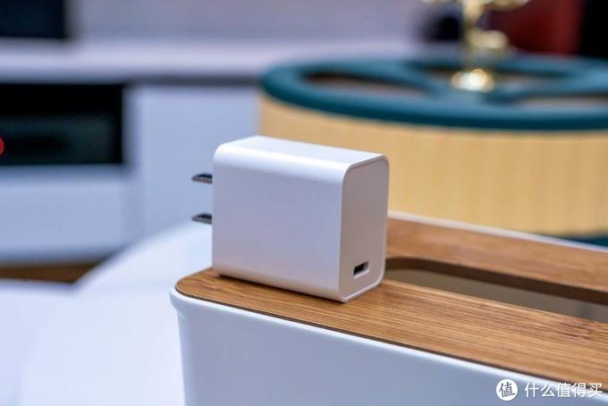 最痛苦的是买了新手机没有充电器,QCY20W苹果12最佳搭档