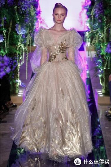 芭莎派对 赵丽颖、张小斐国产礼服很惊艳,baby、刘诗诗谁穿得最好看?