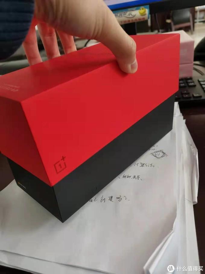 盒子颜色我比较喜欢,阻尼比较硬