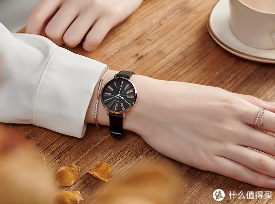 这个学生手表品牌价格才200以下,自带或送给朋友礼物都绝佳