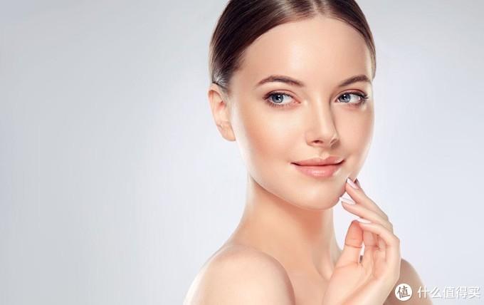 如何在不破坏脸上已有妆容的前提下补涂防晒?